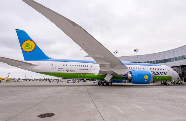 Boeing Delivers First 787 Dreamliner to Uzbekistan Airways