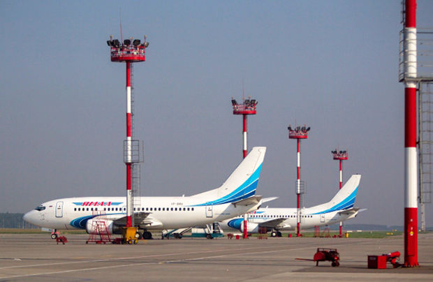 Boeing 737 of Yamal airline