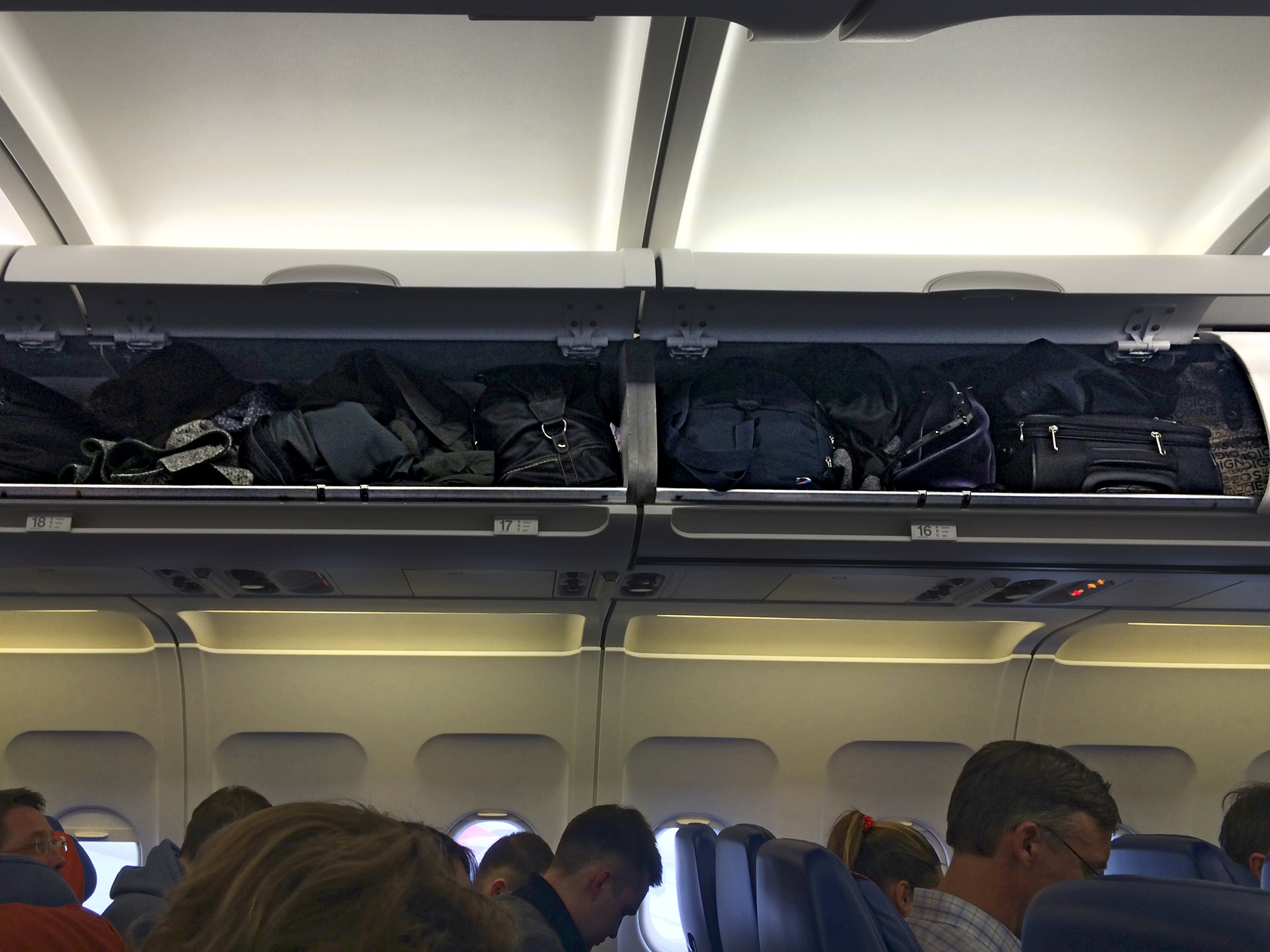Hand luggage on the plane. Does Aeroflot rule others