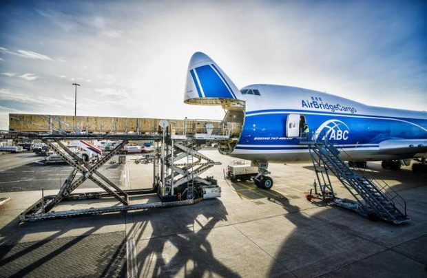 Worldwide air freight shipments set a 10-year record last year