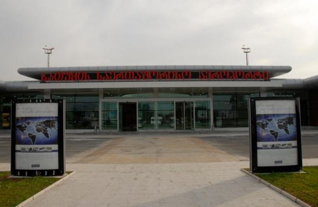 The three major Georgian airports together served 500,000 passengers