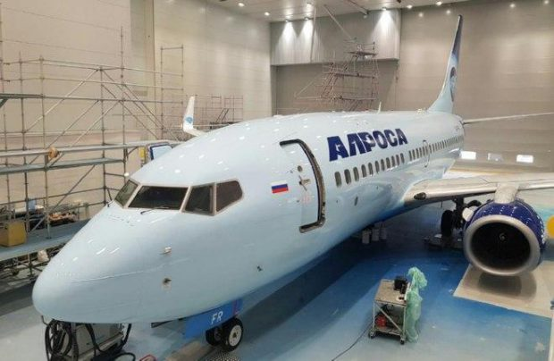 First Boeing 737-700 painted in Alrosa livery